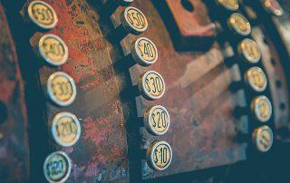 """Miniatura do blogpost """"Como Otimizar Cobrança Recorrente em Empresas de SaaS"""" - AgileMS"""