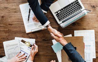 """Miniatura do blogpost """"Como Otimizar Gestão de Contratos em Empresas de SaaS"""" - AgileMS"""