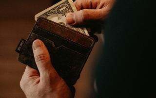"""Miniatura do blogpost """"Qual é a melhor forma de pagamento em uma empresa de SaaS? Boleto, cartão ou depósito?"""""""